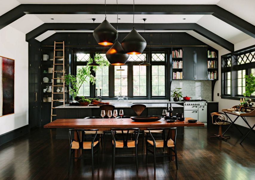 Black and light kitchen